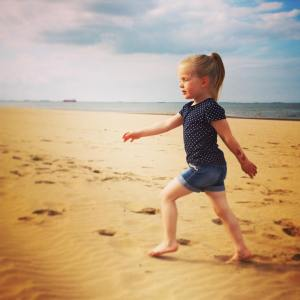 PeanutsAdventures | Summer evening strolling on the beach
